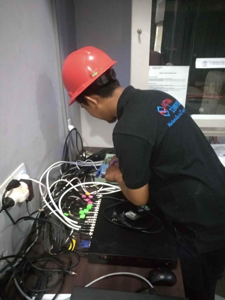 Teknisi Jasa Pasang CCTV Murah 768x1024 - BERANDA